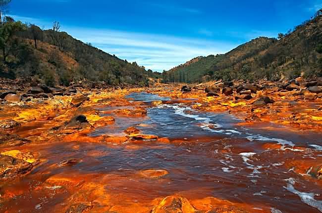 Река рио тинто в испании