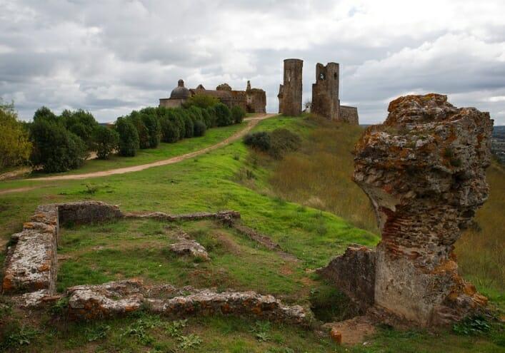 Замок Монтемор 3