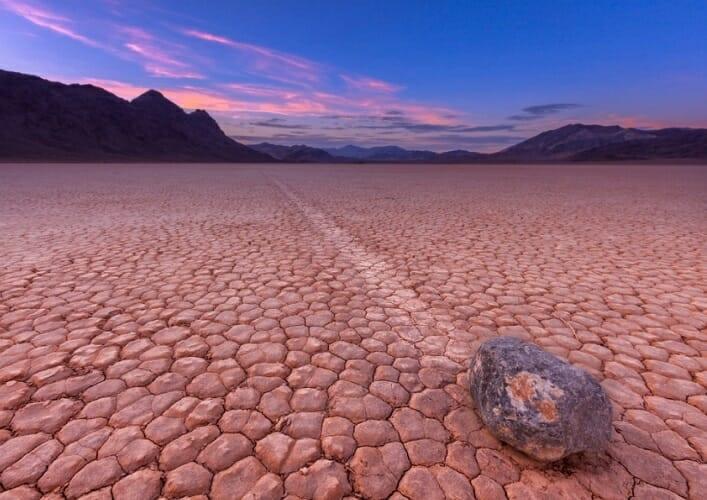 Долина движущихся камней 4