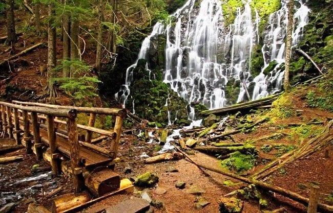 Водопад Рамона из сказочного леса