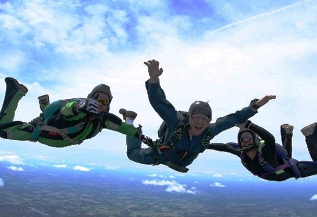 Азов. Прыжки с парашютом и обучение скайдайвингу 2