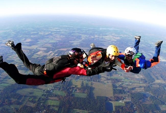 Азов. Прыжки с парашютом и обучение скайдайвингу 4