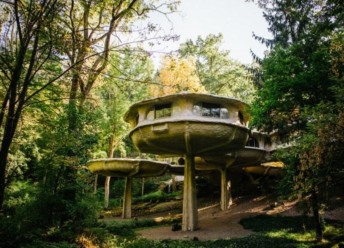 Достопримечательности Америки дом-гриб в парке Паудер Милл 4