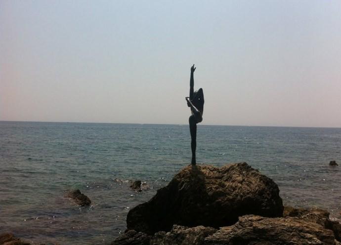 Путешествие по Европе: Танцовщица из Будвы
