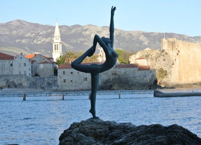 Путешествие по Европе Танцовщица из Будвы 3