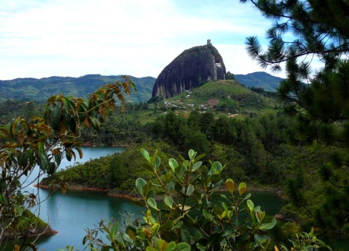Эль-Пеньон-де-Гуатапе и другие достопримечательности южной Америки 5