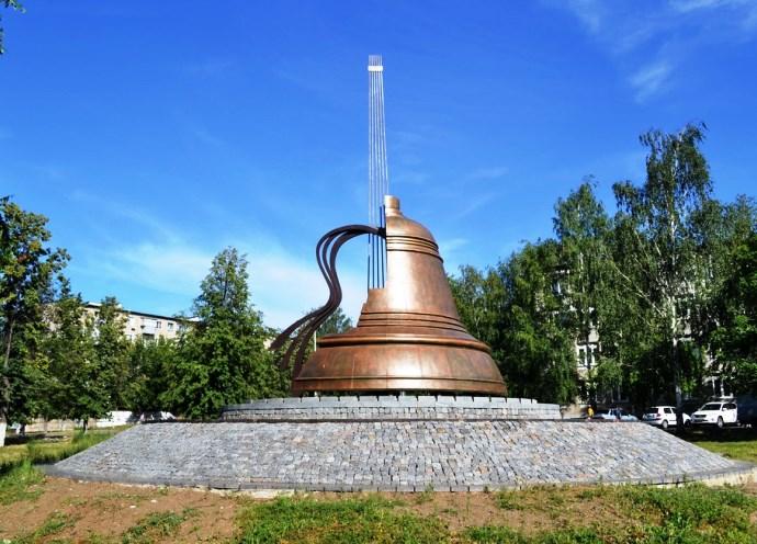 Памятники Европы посвященные музыкантам 4