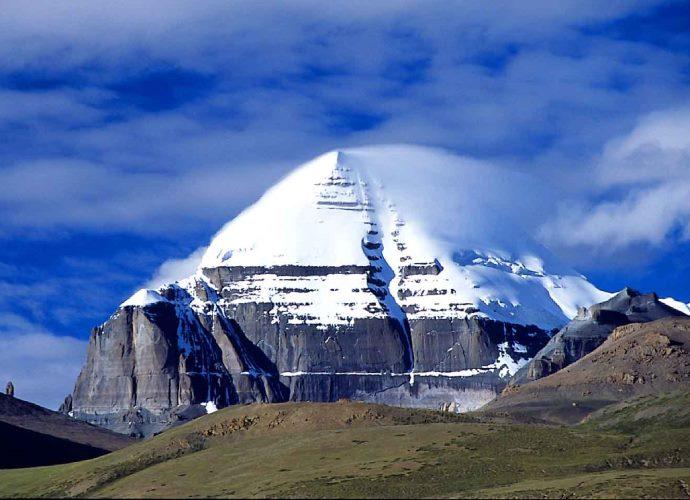 Древние памятники Азии гора свастики  пирамида Кайлас 2
