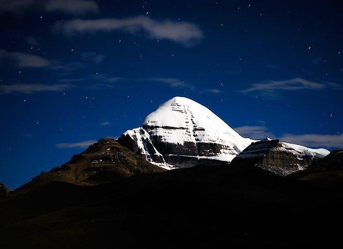 Древние памятники Азии гора свастики  пирамида Кайлас 5