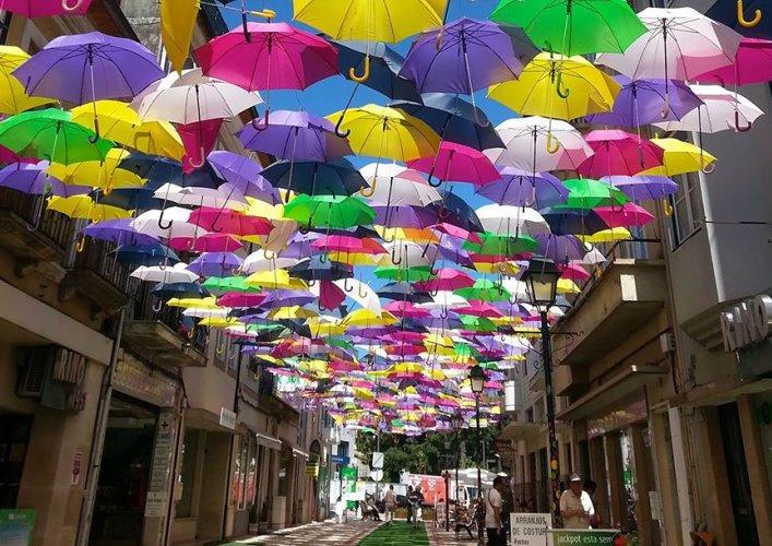Аллея парящих зонтиков 5