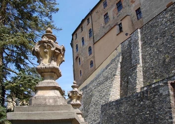 Исторические памятники Европы Замок Чески-Штернберк 4