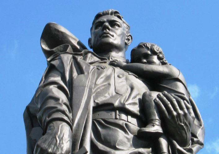 Памятник советскому солдату 2