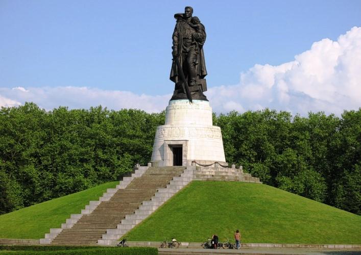 Памятник советскому солдату 4