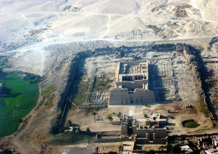 Храм в Луксоре 2
