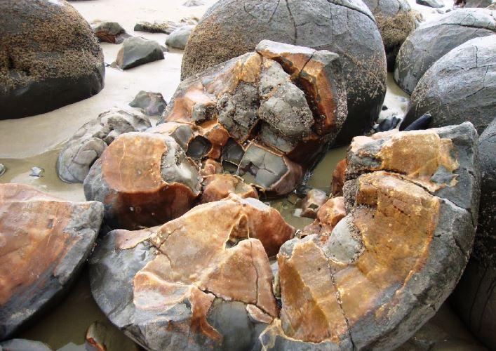 Каменные шары 5
