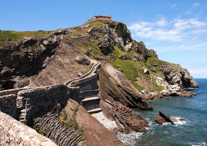 Остров Сан Хуан де Гастелугаче или путешествие по Европе 3