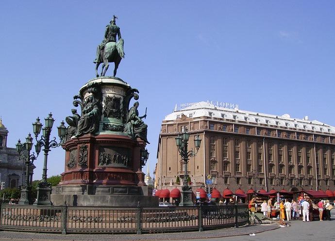 Лучшие отели и гостиницы Питера, Сочи и Москвы. Что общего?