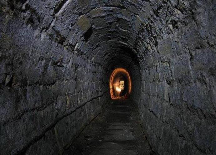 Мир катакомб под Мариуполем 5