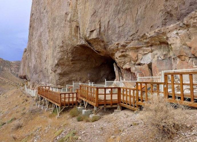 Пещера рук 2