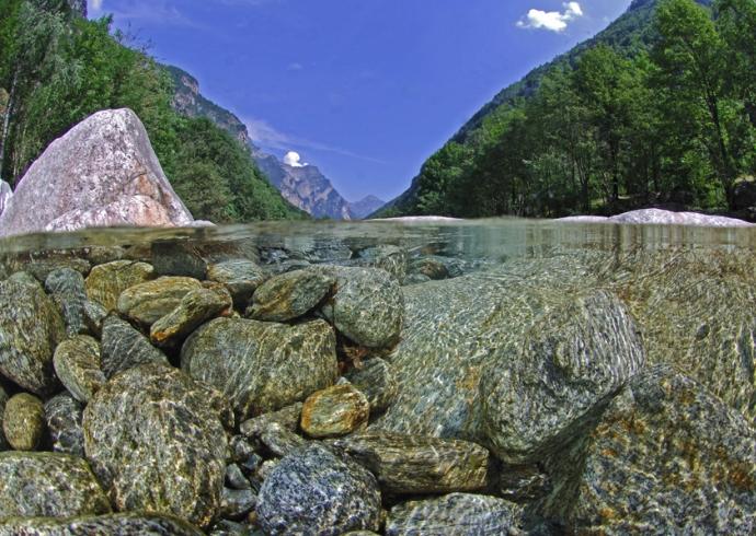 Достопримечательности Европы кристально чистая река 4