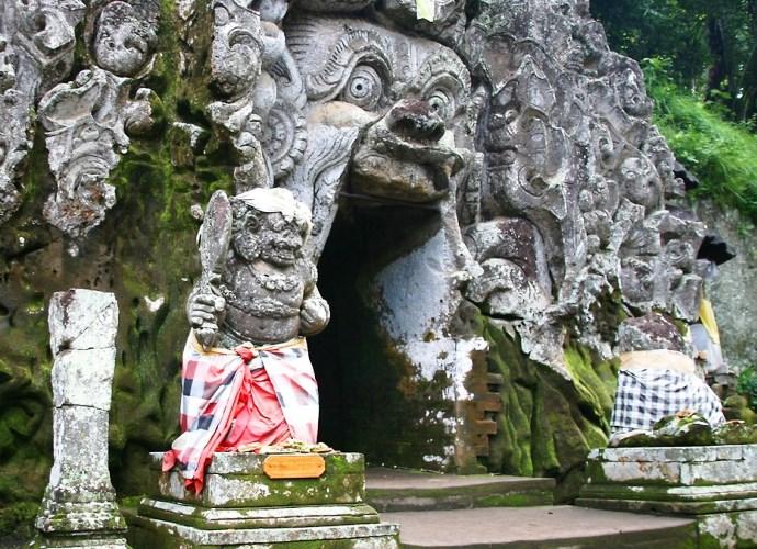Слоновья пещера на Бали и другие достопримечательности Азии 5