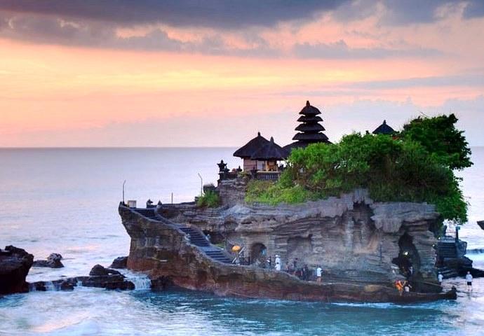 Юго-Восточная Азия Храм расположенный в море 2