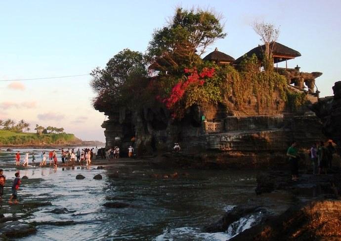 Юго-Восточная Азия Храм расположенный в море 5