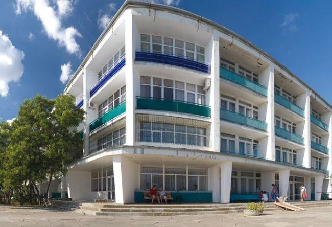 Город Саки, отдых в санатории «Полтава-Крым»