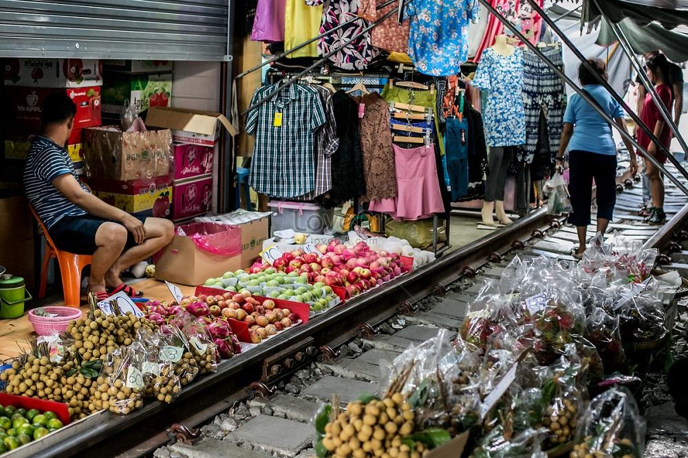 Рынок Меклонга