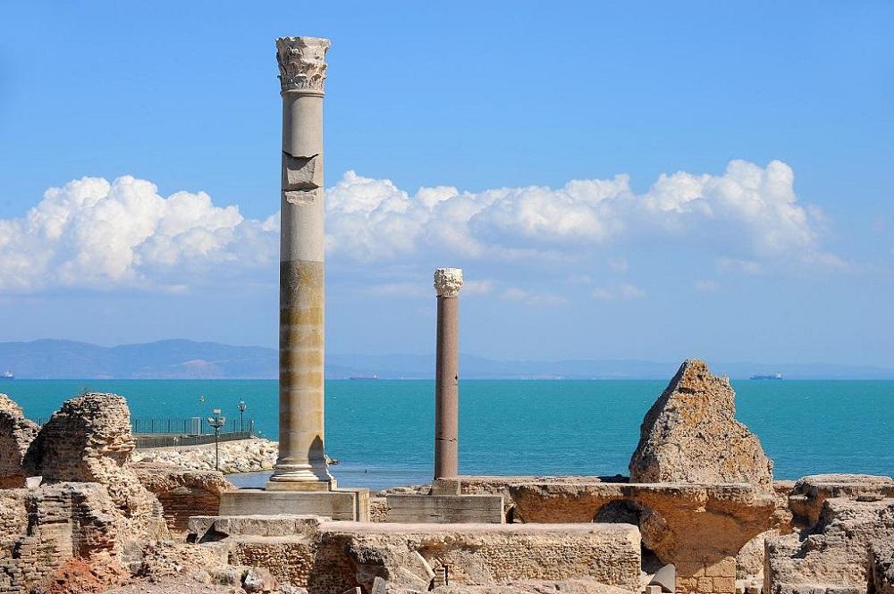 Поехать в Тунис