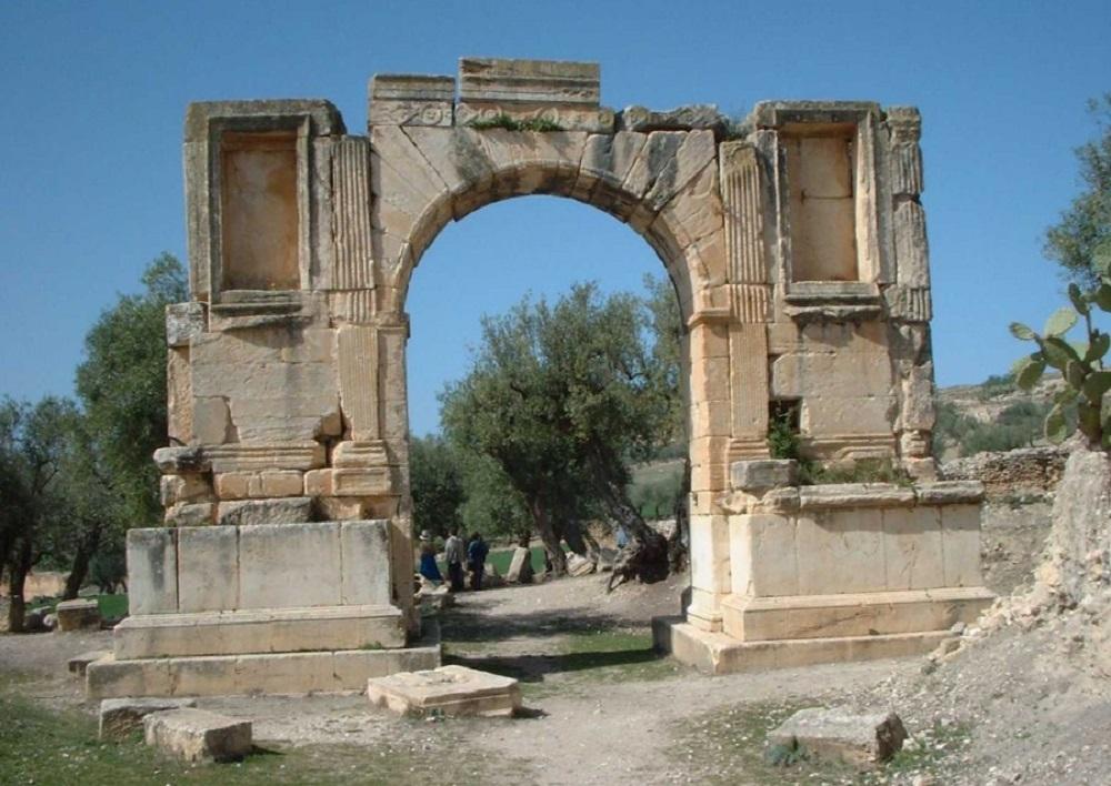 римский город Дугга
