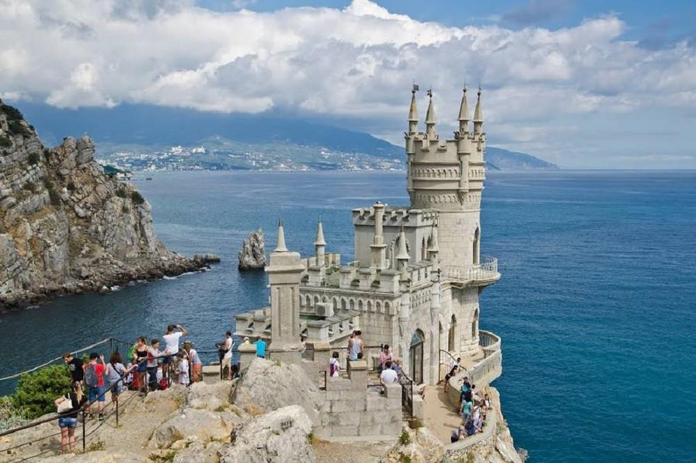 Ласточкино гнездо – визитная карточка всего Крыма