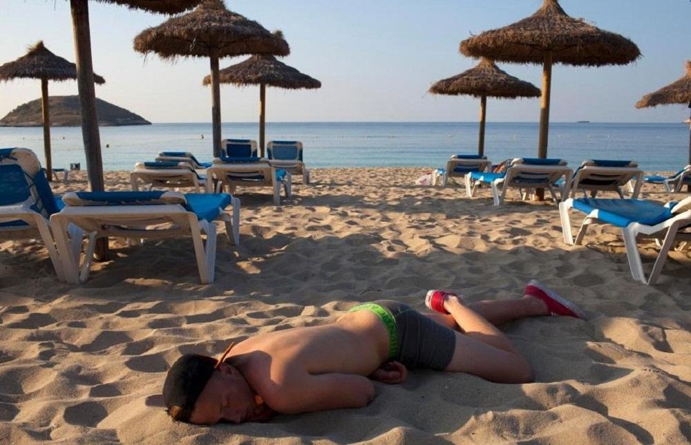 Пьяный турист в Испании