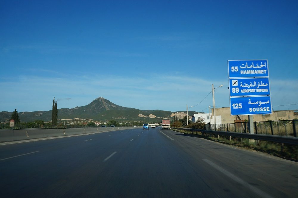 на дорогах Туниса