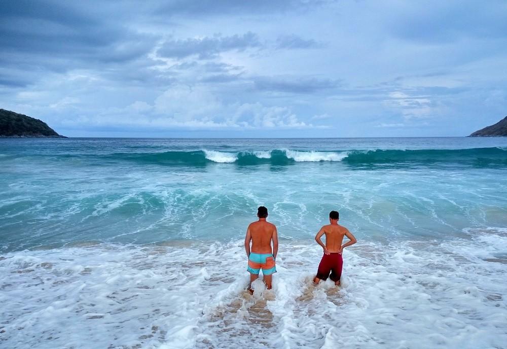 Волны в Таиланде летом
