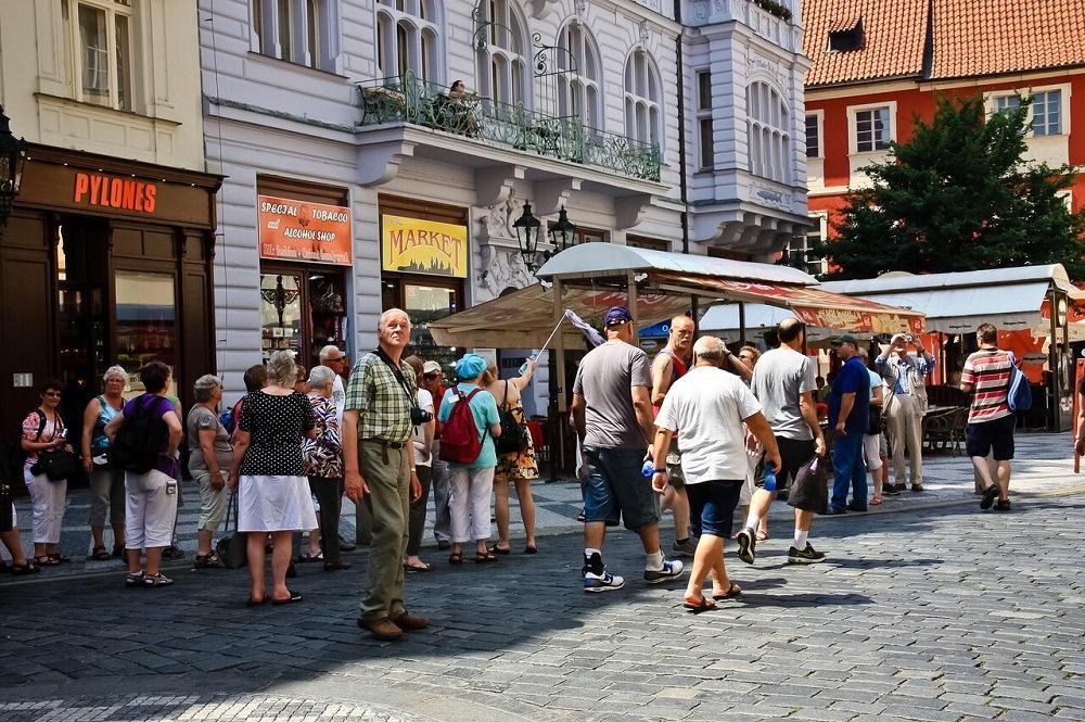 где купить дешевые авиабилеты в Прагу
