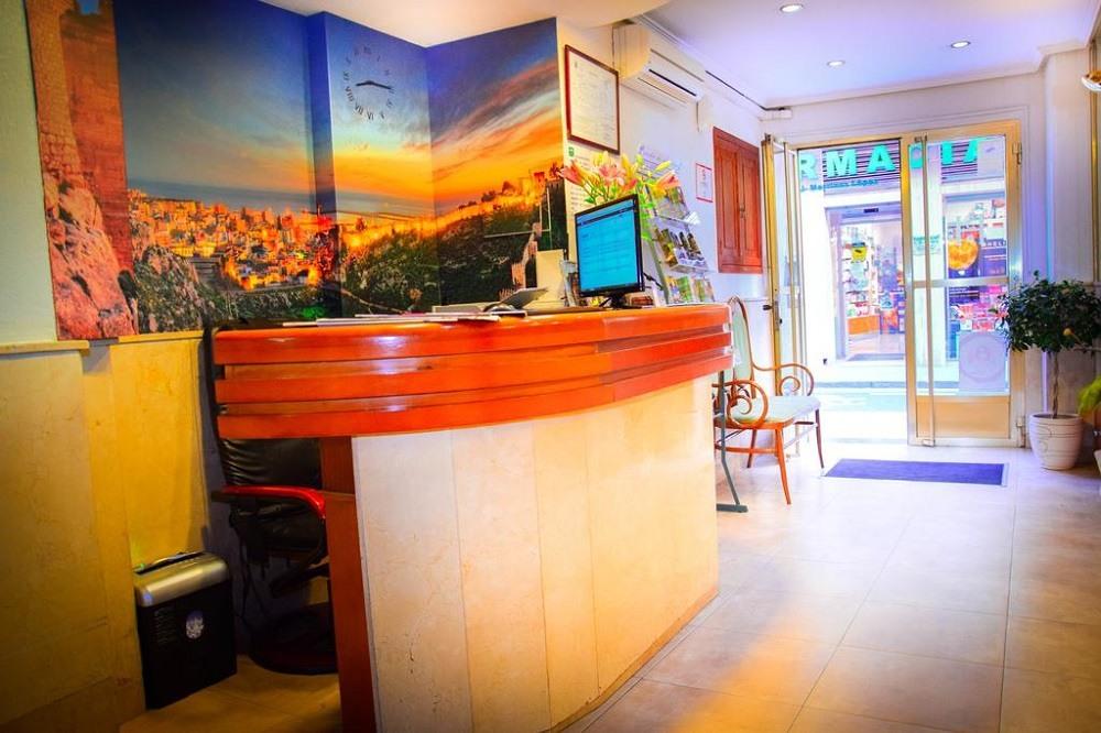 Hotel Sevilla Альмерия
