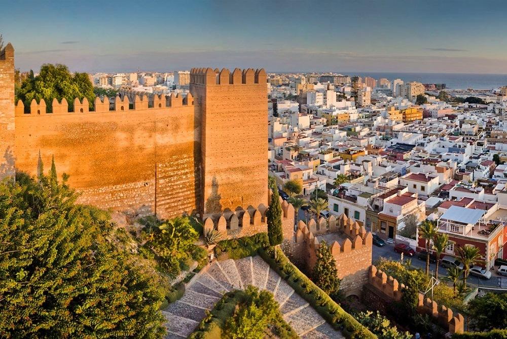 Альмерия – город в зеркале моря