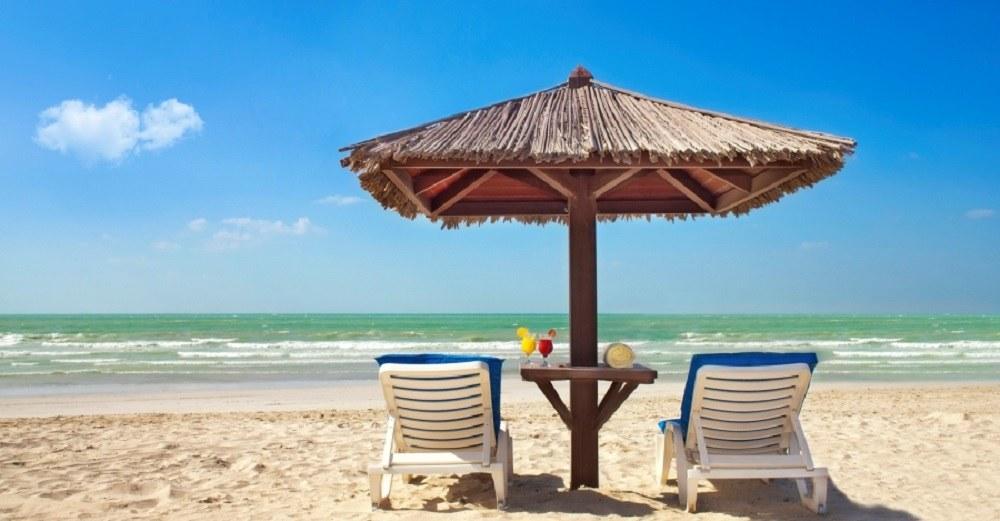 пляж Аль-Корниш