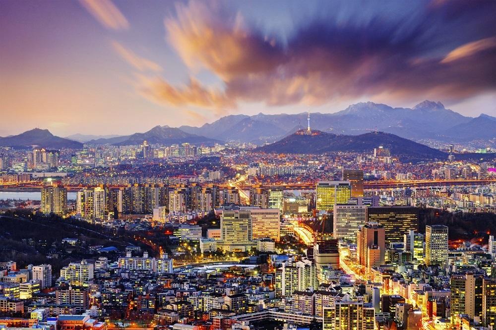 поехать в Сеул