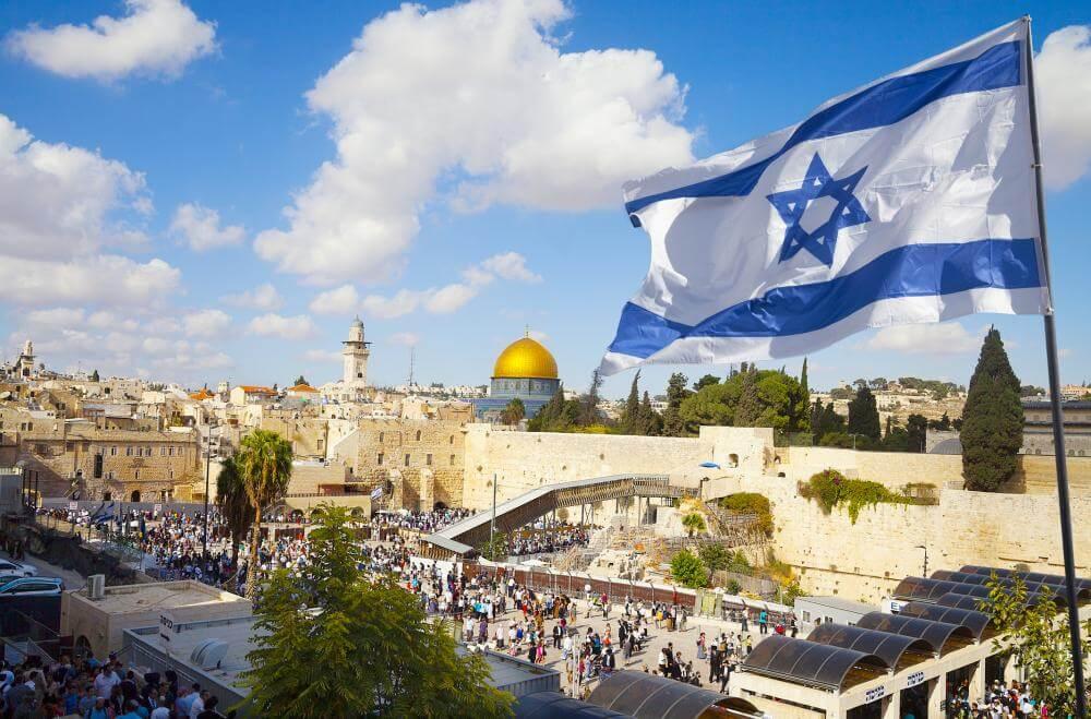 Поехать в апреле в Израиль