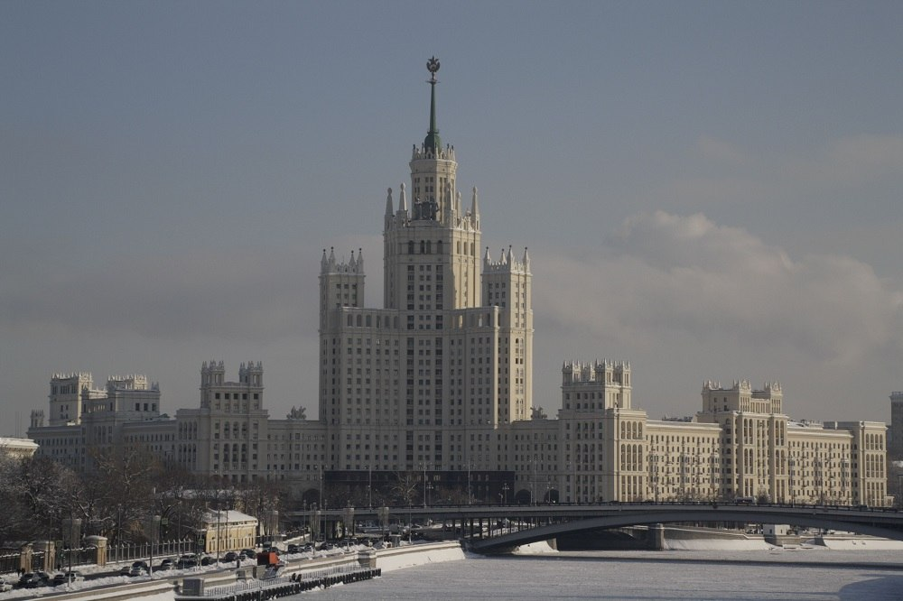 Поехать в феврале в Москву