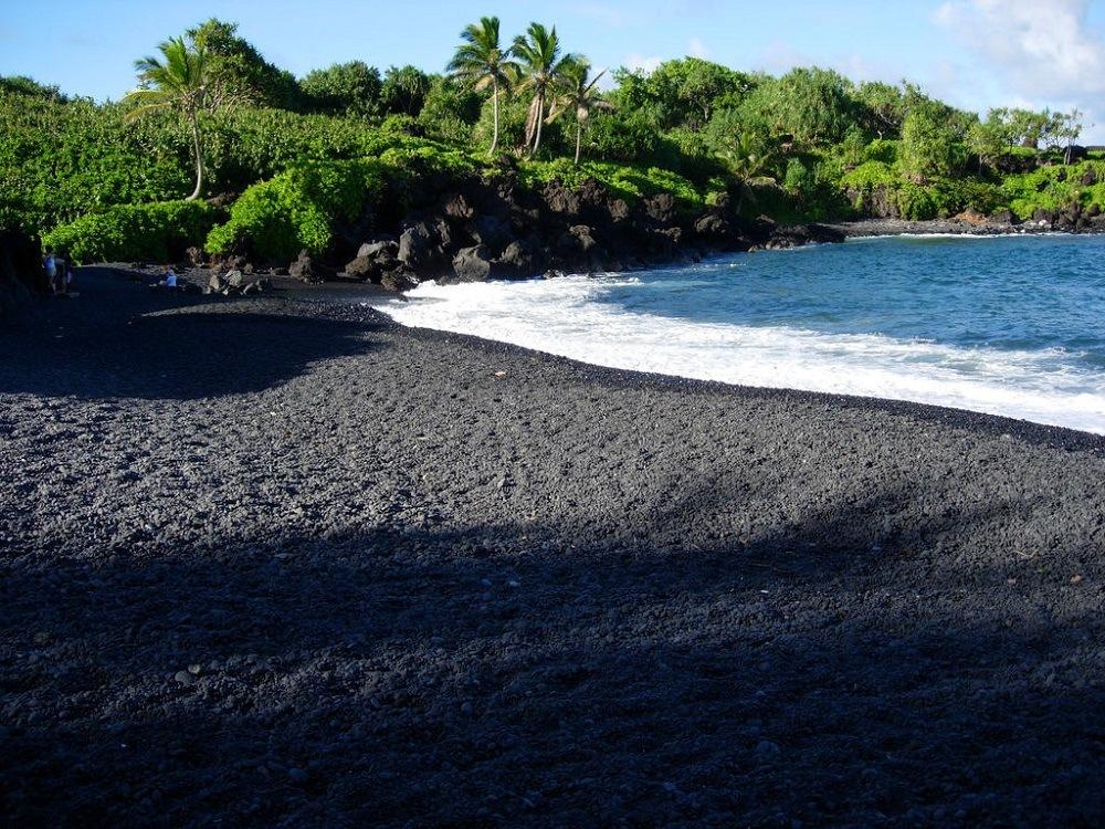 Черный пляж Хейл Бич