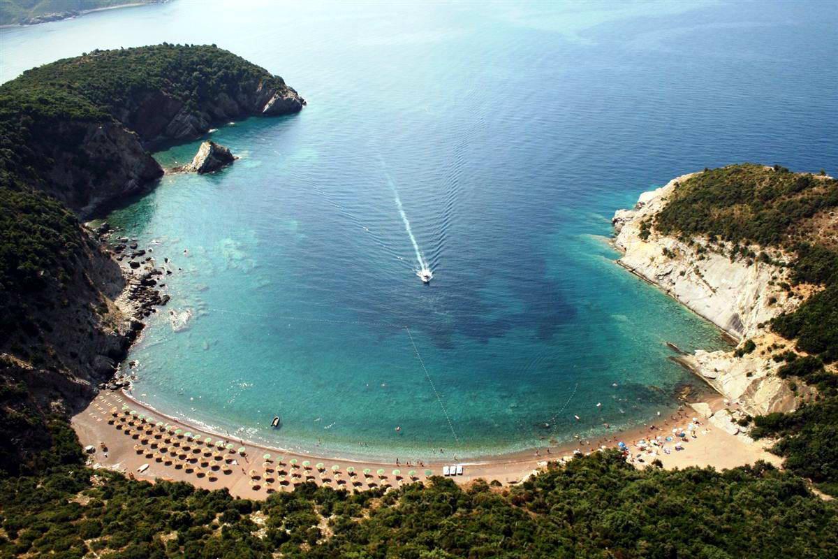 Солнечная Черногория особенно хороша в бархатный сезон