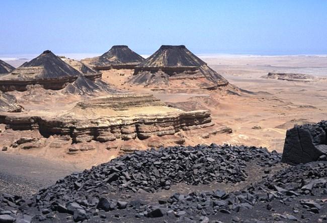 В окружении Ливийской пустыни  город Файюм 3