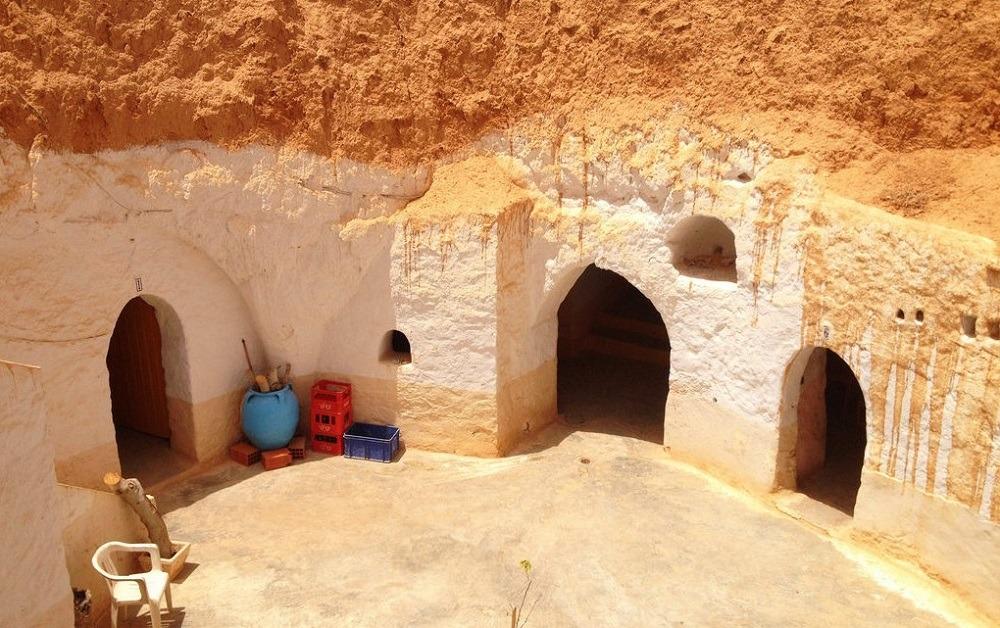 Жилые пещеры