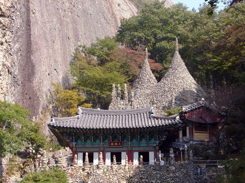 Санса – монастыри в горах Кореи