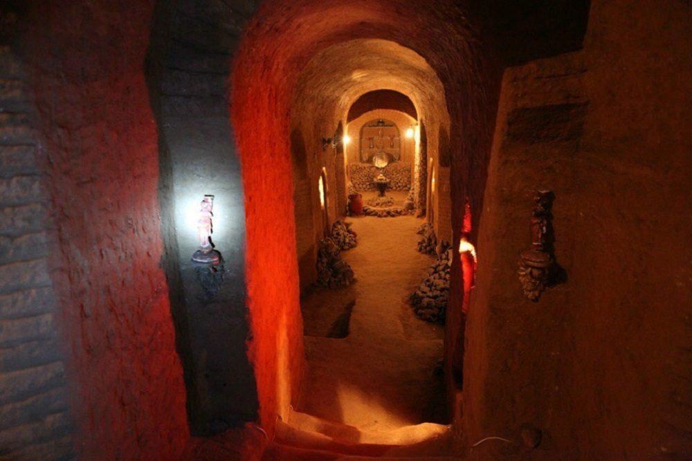 Армянский строитель сотворил подземный храм в 7 этажей.