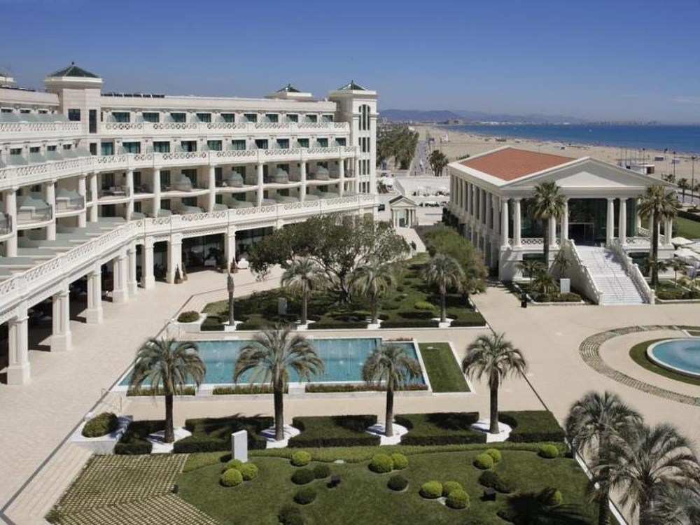 Hotel Santos las Arenas.