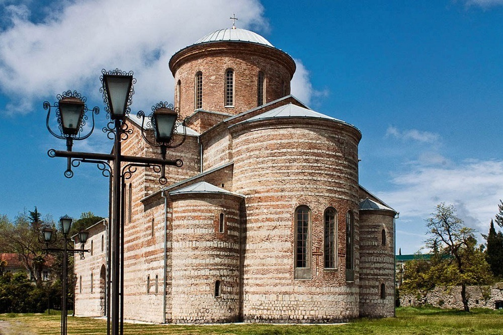 Пицундский Храм